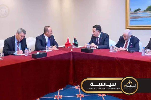 صورة في الدوحة..السراج يبحث تنفيذ مذكرتي التفاهم مع وزير الخارجية التركي