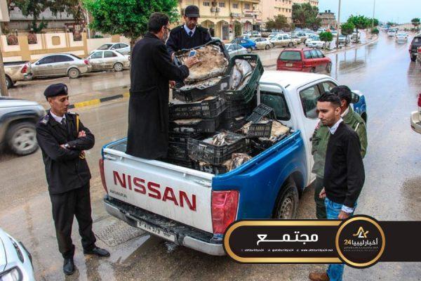 صورة اللجنة الأمنية طبرق تضبط أسماك متعفنة بأحد البرادات بالمنطقة الصناعية