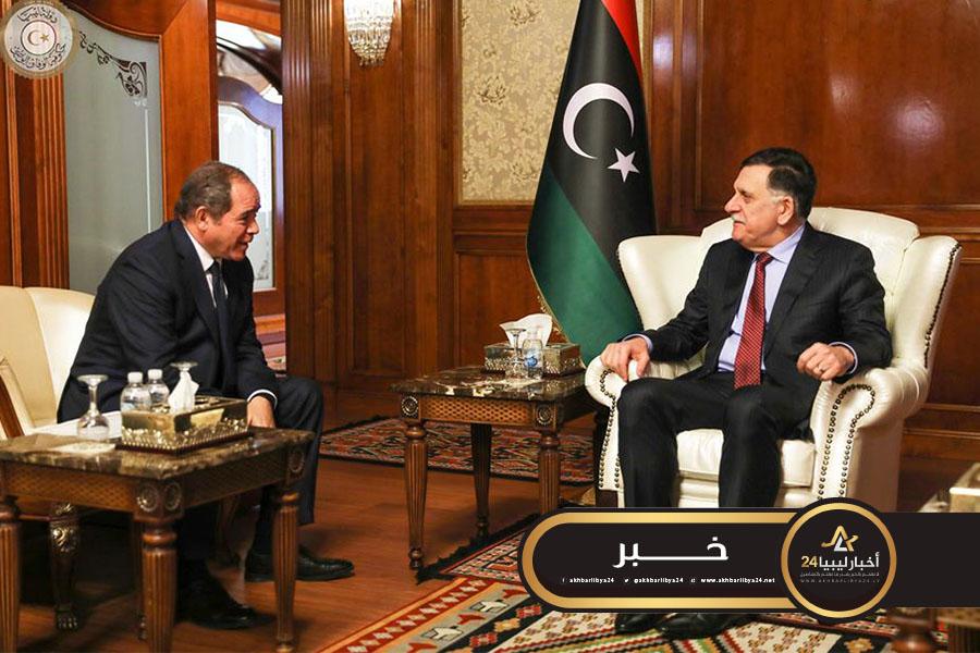 صورة خلال لقائه السراج في طرابلس.. بوقادوم: الجزائر ستبذل جهودها لوقف الحرب في ليبيا