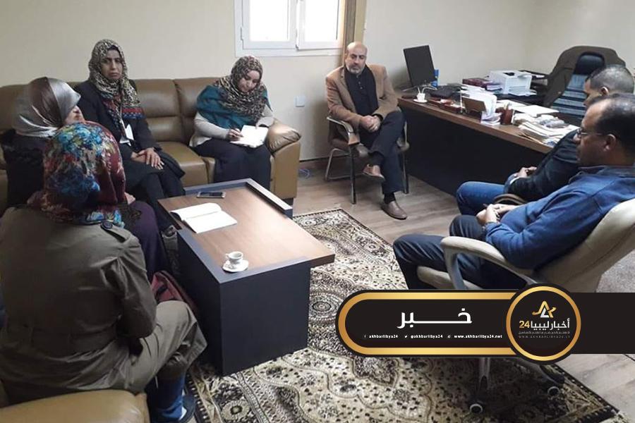 صورة اجتماع عبر الدائرة المغلقة لتتبع المخطوطات التي ضاعت جراء الهجوم الإرهابي على جامعة بنغازي