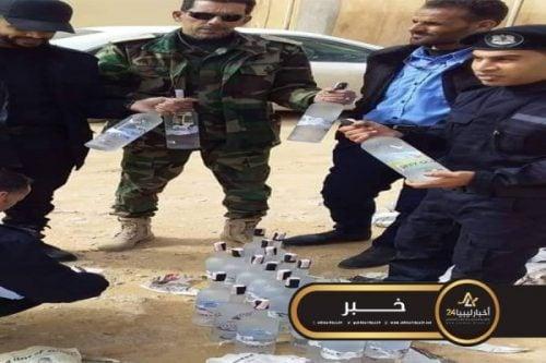 صورة بوابة وادي السهل تضبط سائق ليبي يحمل 26 زجاجة ويسكي مستورد
