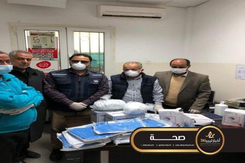 صورة غرفة التجارة الليبية المصرية توزع مواد وقائية على منفذ أمساعد البري