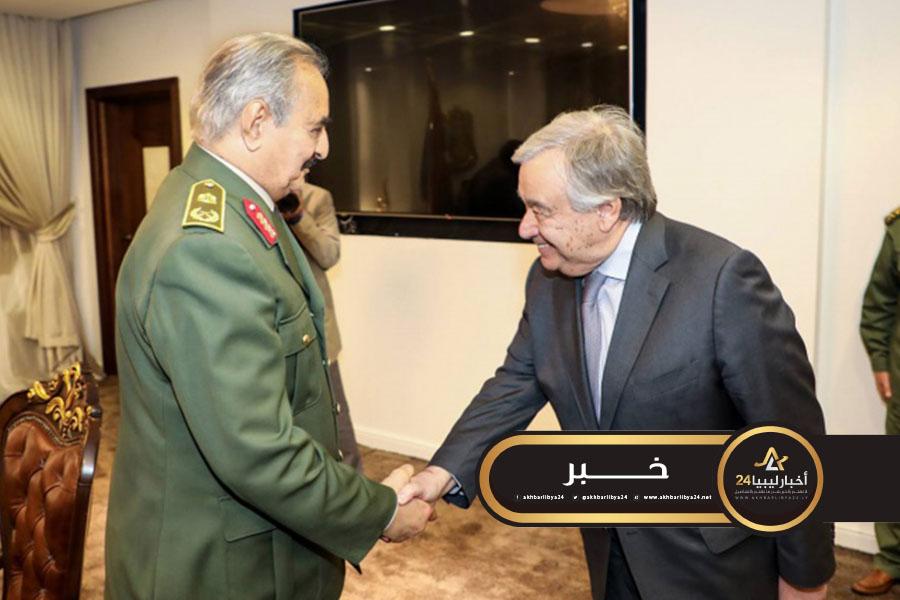 صورة غوتيريش لحفتر: حلّ النزاع في ليبيا يجب أن يكون سياسيا فقط
