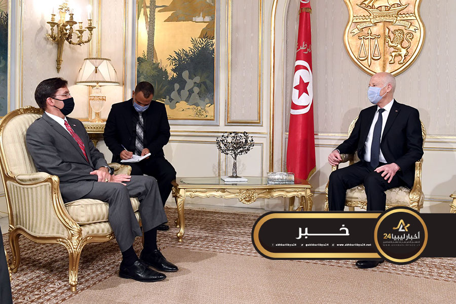 صورة الرئيس التونسي ووزير الدفاع الأمريكي يؤكدان على الحل السلمي للأزمة الليبية