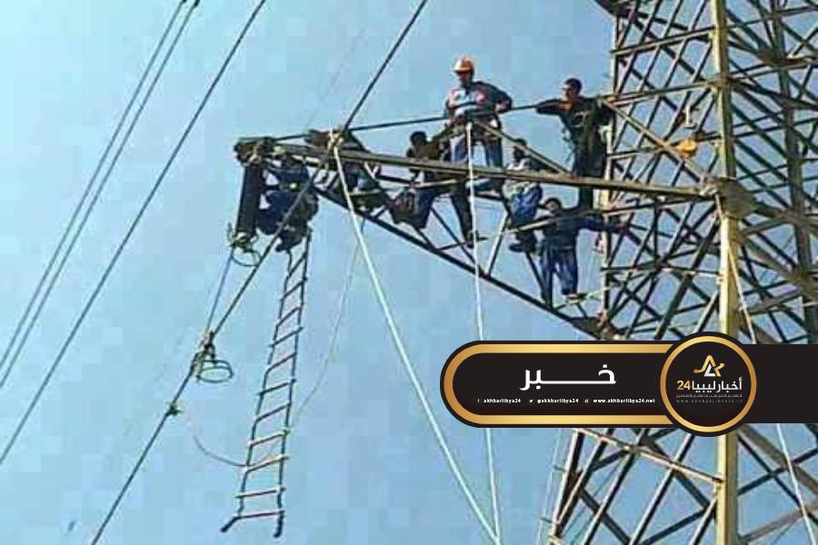 صورة مسؤول في كهرباء طبرق: خروج إحدى الدوائر المصرية تسبب في إظلام عام على طبرق