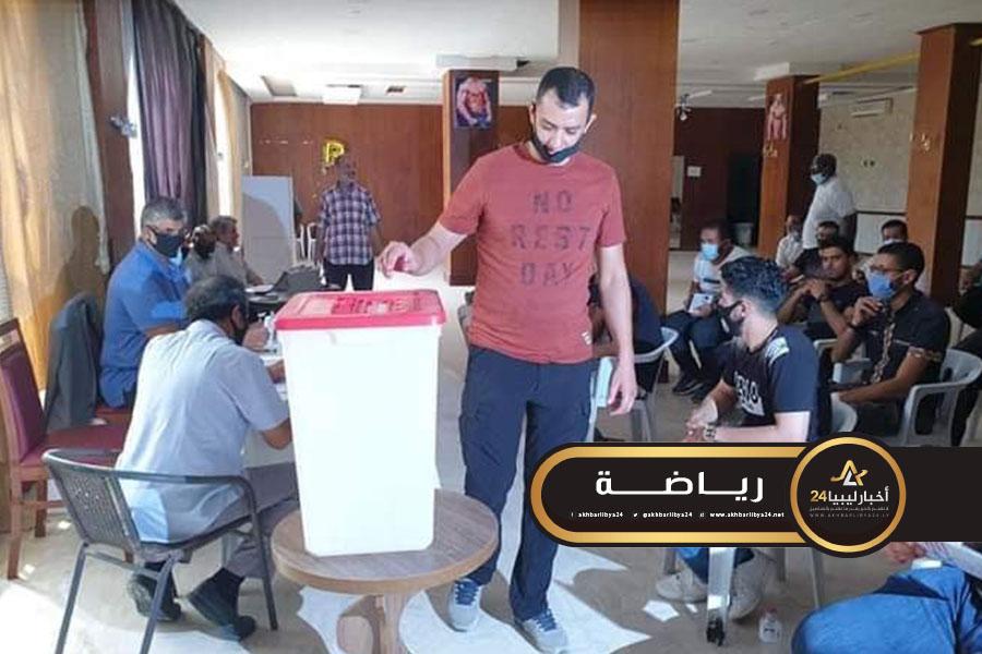 صورة البهلول رئيسا للاتحاد الليبي للملاكمة