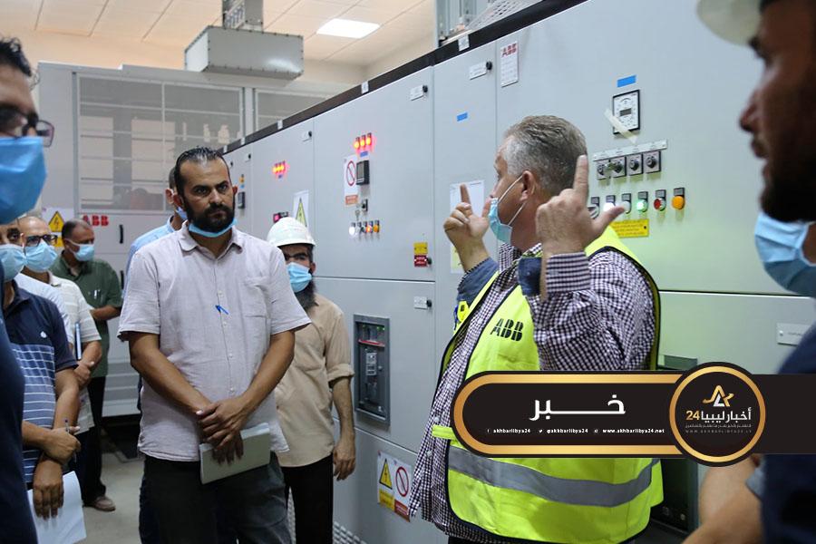 صورة وصول فريق من الجزائر إلى ليبيا لصيانة محطة كهرباء الخمس