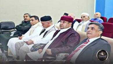 صورة لجنة الأزمة بالقيادة العامة تلتقي بوفد شبابي في طبرق