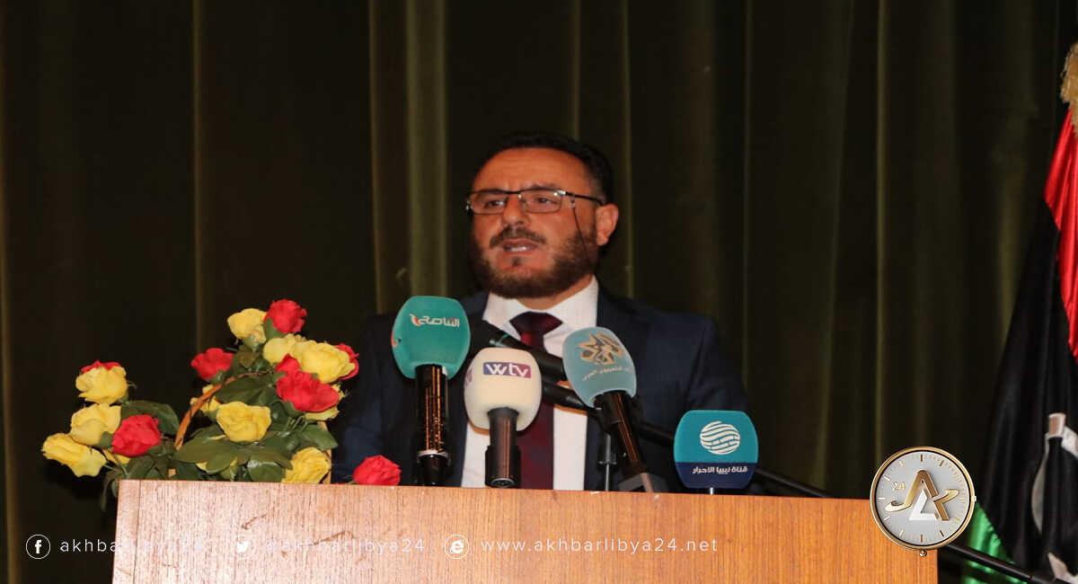 وزير الصناعة أحمد بوهيسة