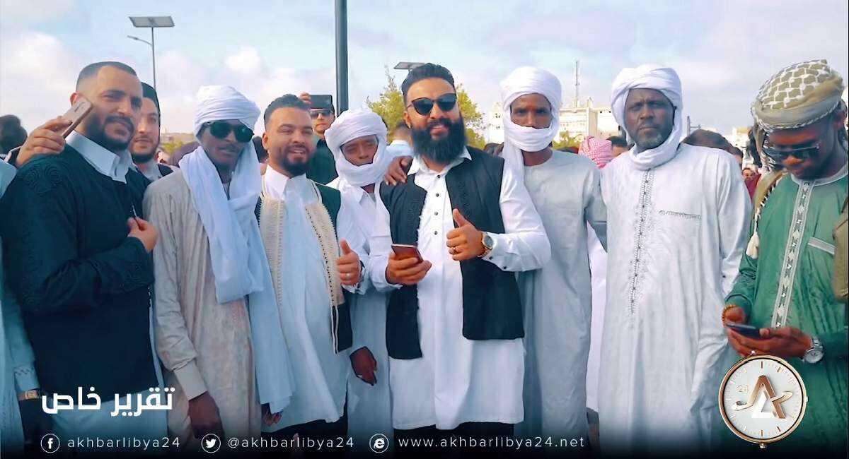 شباب بنغازي بالزي الوطني