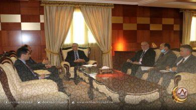 الحويج يلتقي السفير المصري