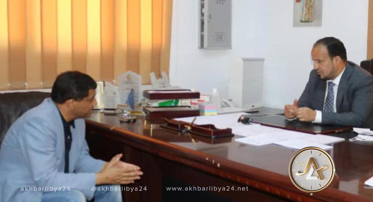 ليبيا- وزير الصحة علي الزناتي يجتمع مع رئيس لجنة الصحة بمجلس النواب نصر الدين مهنّى