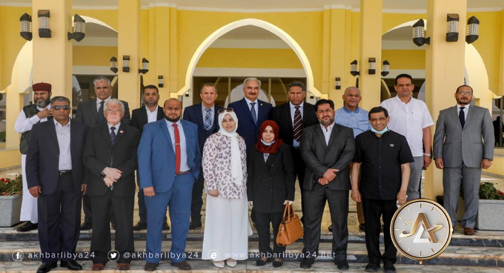 ليبيا- حفتر يلتقي بأعضاء من مجلس النواب