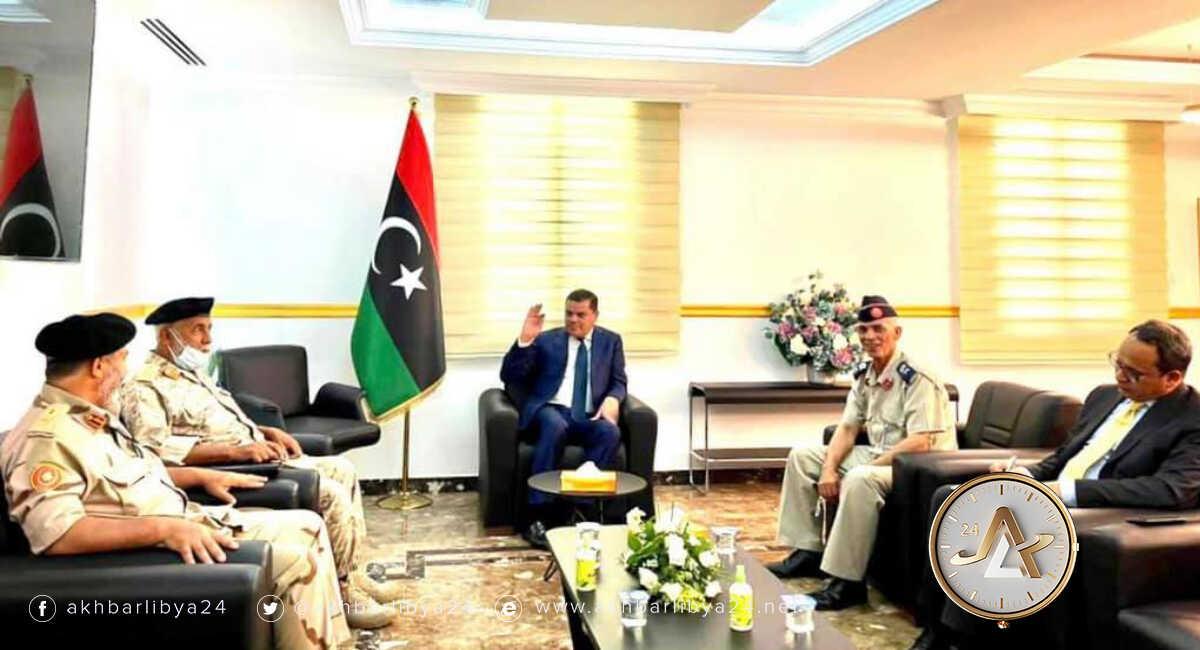 ليبيا- رئيس الحكومة يجتمع بأعضاء من اللجنة العسكرية المشتركة